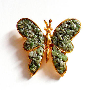Vintage Green Stone Chip Butterfly Brooch - Butterfly Broach Pin- Gold Tone Metal - Jade Chips - Insect Bug - Figural Animal Brooch