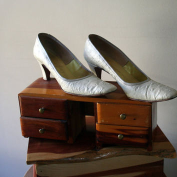 1960s Faux Ostrich Heels by JezzyBelles on Etsy