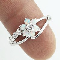Tiny Cute White Fire Opal Stones Flower Women Opal Silver Rings Size 5 6.5 7.5 8.5 S11W