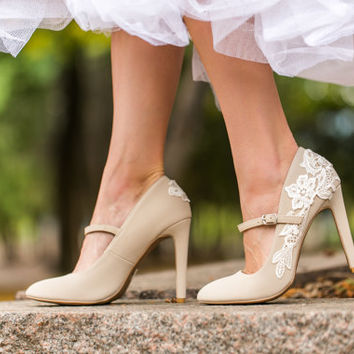 Wedding Heels - Beige Bridal Heels, Bridal Shoes, Mary Jane Heels, Wedding Shoes, Beige Heels, Shoes, Pumps with Ivory Lace. US Size 6.5