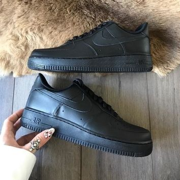 Nike Air Force triple black