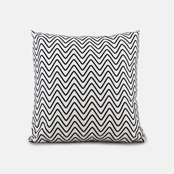 zag / outdoor scatter cushion