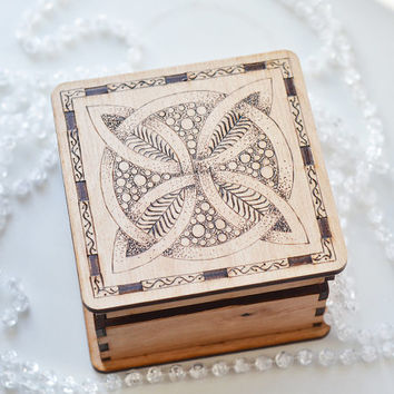 Woodburned Celtic Knot Jewelry Box - Pyrography Jewelry Box - Keepsake Mandala Box - Celtic Luck Symbol