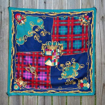 Vintage Plaid Tartan Baroque Scottish Crest Scarf