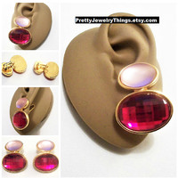 Avon Red Pink Disc Clip On Earrings Gold Tone Vintage 1992 Hollywood Lights Large Oval Domed Clear Frosted Faceted Big Bead Buttons