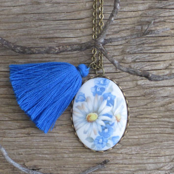 Field of Daisies Charming Porcelain White Daisies and Blue Wildflowers Cabochon with Handmade bright Blue Tassel Necklace