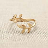 Leaf Ring In Gold on Luulla