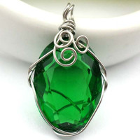 'Happy Heart' Green Handwork Wire Wrapped Pendant