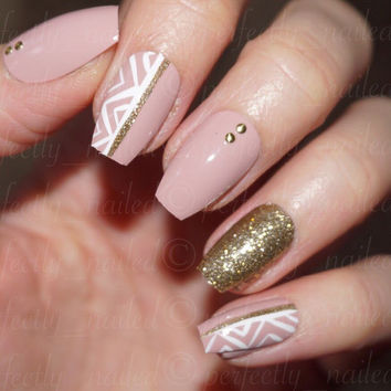 Muave tribal and gold accent glossy • Handpainted False Nails • Fake Nails • Press on Nails •
