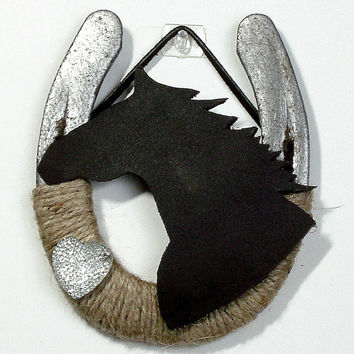 Brown horse head horseshoe decor, Valentines decor , Western Decor Rustic theme, Farm Decor, Rustic home decor