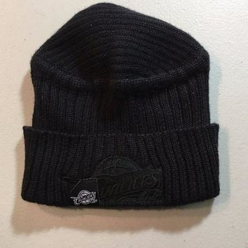 ONETOW BRAND NEW CLEVELAND CAVALIERS RETRO REEBOK ALL BLACK KNIT HAT