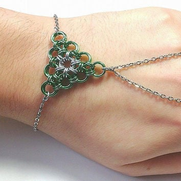 Green Triforce Chainmaille Ring-Bracelet, Gamer, Hand Bracelet,  Geek, Nerd, Chainmaille Jewelry, Slave Bracelet