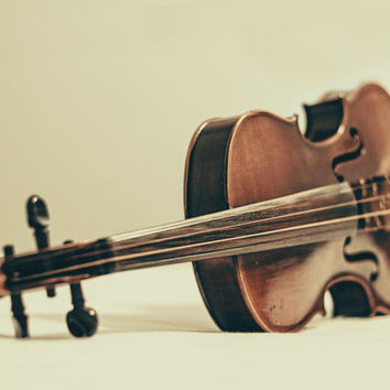 Violin Photography This Old Violin Musical Instrument Art Music Photo Print Classical Music Room Decor Music Lover Gift Idea Christmas