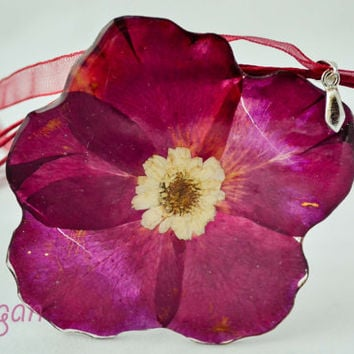 Real Flower Resin Necklace - Real flower in resin, Rose in resin, Pressed Flower Jewelry - Resin Necklace - Resin Jewelry, Necklace resin
