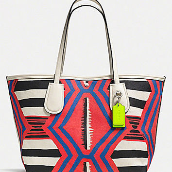 COACH TAXI TOTE 36 IN PRINTED CANVAS | Dillards.com