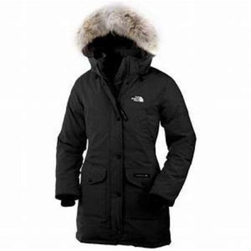 ac spbest woman black northface