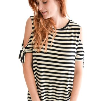 Stripes and Knots Top