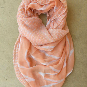 Peach Zig Zag Loop Scarf [3825] - $16.00 : Vintage Inspired Clothing & Affordable Dresses, deloom | Modern. Vintage. Crafted.