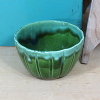 Green Ribbed Flower Pot . Drip Glaze . USA California Pottery . Vintage Mid Century Planter . Circa 1960s . Perfect Succulent Pot