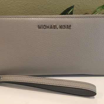 MICHAEL KORS JET SET TRAVEL CONTINENTAL WALLET WRISTLET GREY LEATHER SILVER $188