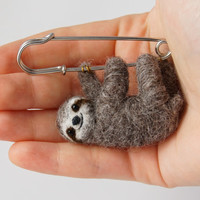 Sloth brooch - Pin sloth - Needle felted sloth - Sloth stuffed animal - sloth plush - Hanging Sloth - Sloth jewelry
