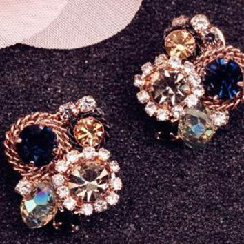 South Korea's exquisite personality Bohemian stud earrings, female accessories, south Korean fashion, elegant temperament, no ear clip.