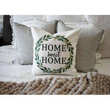 Farmerhouse Pillow Cover, rustic Pillow Cover, Spring pillow cover, boxwood wreath, green leaf wreath,18x18