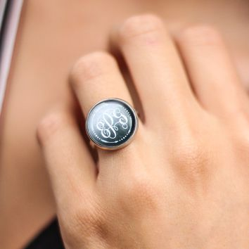 Monogram Arrow Ring - Gunmetal 16mm