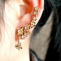 Butterfly Chasing Flowers Wrapping Ear Cuff (Single, No Piercing)