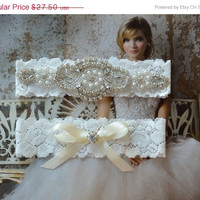ON SALE Crystal Wedding Garter, Ivory Lace Wedding Garter, Elegant Garter, Bridal Garter Set