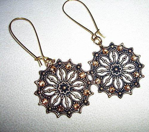 Boho Chic Antiqued Black and Gold Filigree Earrings