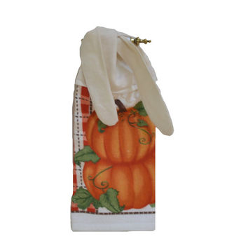 Pumpkin Towel, Thanksgiving Towel, Kitchen Hand Towel, Linen, Tie on Towel, Pumpkin Decor, Fall Decor, Tea Towel, Thanksgiving Decor