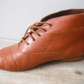 f0c7f753236 vintage butterscotch brown leather Granny Boots ... ankle boots ... indies  hipster