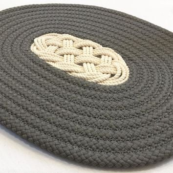 Nautical Ocean Plait Centerpiece, Spiral Rope Mat - Gray