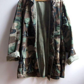 Military Grunge Camouflage Camo Jacket Shirt Worn Faded Distressed Medium Long