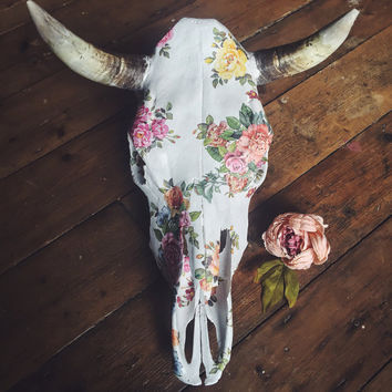 Skull Decor // Animal Skull // Cow Skull // Bull Skull // Taxidermy // Floral // Skull // Rustic Decor // Boho Decor