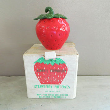 Ceramic Strawberry Strawred berry Jam Jar Strawberry Kitchen Red Kitchen California Strawberry Kitsch Kitchen Retro Kitchen Sugar Bowl