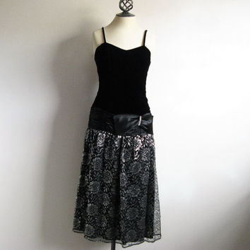 Vintage 1980s Black Velvet Dress Goth Silver Lace Drop Waist Evening Prom Dress 4