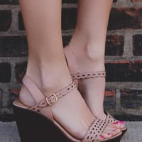 Resort Romance Wedge - Peach