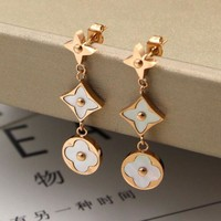 LV Louis Vuitton Stylish Three Small Flower Shell Rose Gold Earring Earrings
