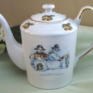 Classic 6 Cup Teapot Folk Art Snow People