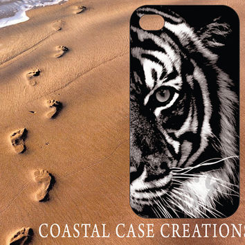 Apple iPhone 4 4G 4S 5G Hard Plastic Cell Phone Case Cover Original Trendy Stylish Black and White Tiger Face Design