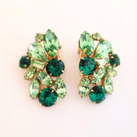 Vintage Green Leaf Rhinestone Clip Earrings - Emerald rhinestones - clip-on st patricks leaves crystal clip ons clips - spring greens patty