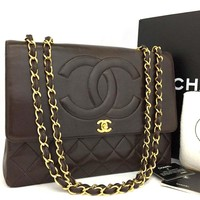 CHANEL Maxi Jumbo Quilted Matelasse Large CC XL Lambskin Chain Shoulder Bag/j76