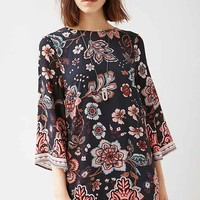 Ecote Gineva Printed Shift Dress
