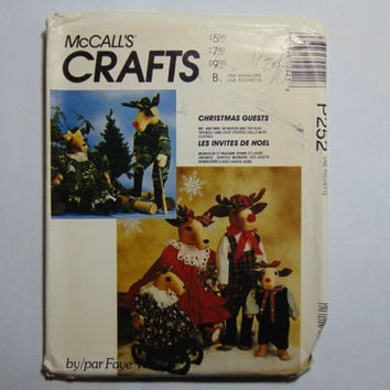 McCall's Craft Sewing Pattern P252 Christmas Guests Stuffed Dolls with Clothes