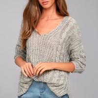 Cuddle-Worthy Grey Knit Sweater