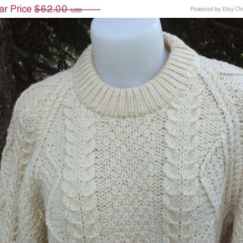 ON  SALE 80s Vintage Cable Knit Crew Neck Irish Fisherman's Sweater Unisex