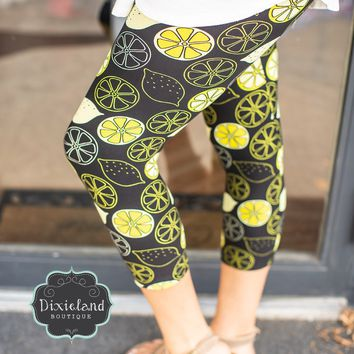 Lemon Print Capri Leggings