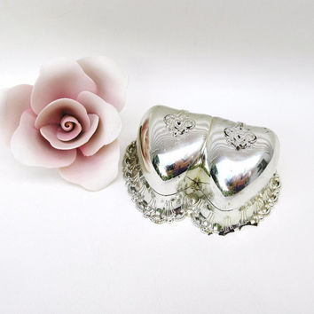 Vintage Ring Box / Double Heart Ring Holder / Silver Jewelry Store Box – As Is